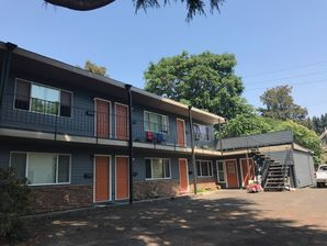 Before & After Exterior Painting for Housing Complex in in SE Portland (2)